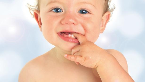 Tout comprendre sur les premières dents de bébé
