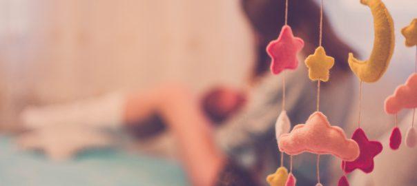 Les coliques de bébé peuvent être dues à l'alimentation