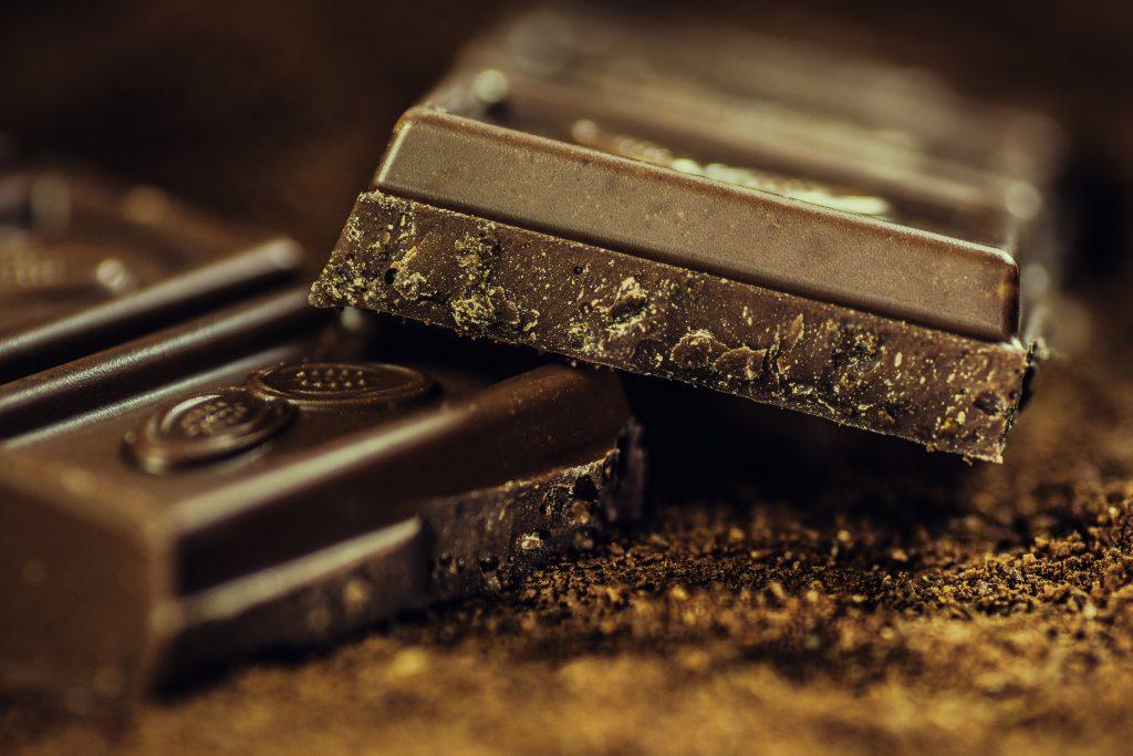 La consommation modérée de chocolat est excellente pour la santé.