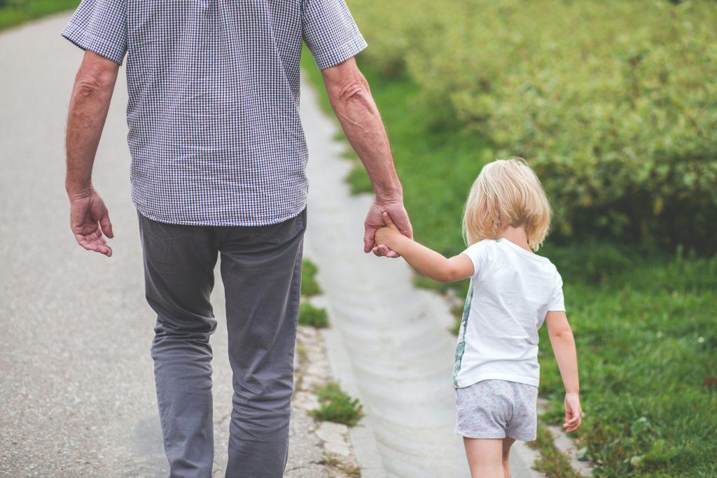 Passer du temps en famille aide à stimuler la mémoire et le cerveau.