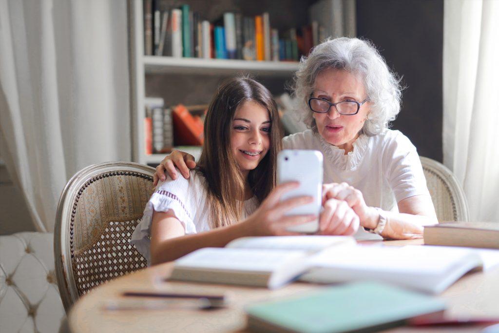 Conserver une bonne mémoire est essentiel pour les personnes âgées.
