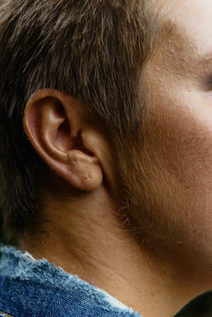 Comment prévenir la perte d'audition chez les personnes âgées ?